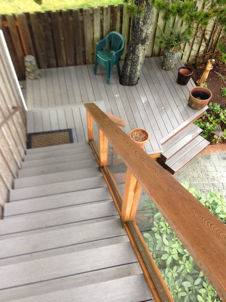 Mother in-law stairs with multiple landings deck with stair case